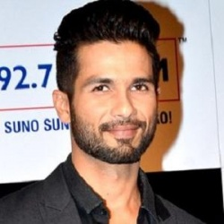 Shahid Kapoor Height in feet/cm. How Tall