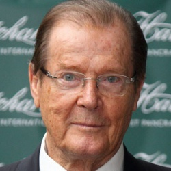 Roger Moore Height in feet/cm. How Tall